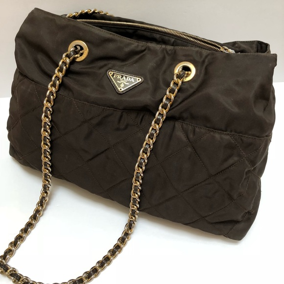 dcce52c9de3a Authentic Prada nylon chain shoulder bag. M 5b2bb2adaa8770d63e2cb547